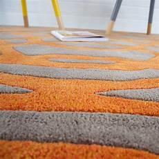 tapis design orange et taupe en par joseph lebon