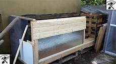 hühnerstall aus paletten h 252 hnerstall aus restholz paletten und t 252 ren wir selbermacher
