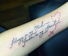 Tattoos Frauen Schriftzug - pin on tattoos