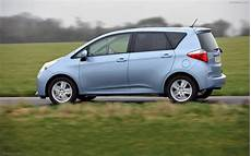 toyota verso s 2011 widescreen car image 34 of 92