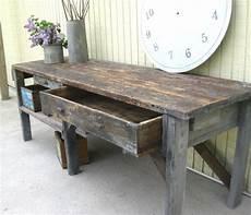 Altes Holz Bearbeiten - reserved for vintage primitive workbench or garden