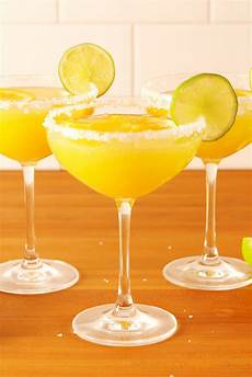 20 easy chagne cocktails drink recipes with chagne delish com