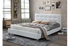 lit blanc avec t 234 te de lit capitonn 233 e 160 tulius design