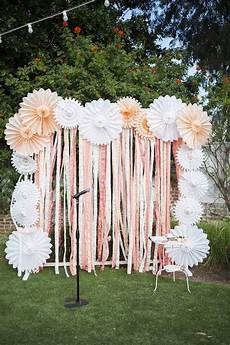 pretty photo booth backdrop ideas with lots of tutorials listing more