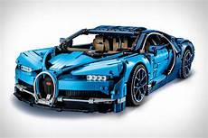 Lego Technic Bugatti Chiron Uncrate