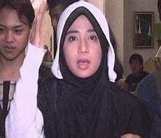 Foto Dewi Persik Pakai Jilbab Setelah Janda Gambar Foto
