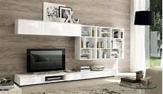 idee pittura soggiorno soggiorno bianco lucido parete piastrelle effetto legno