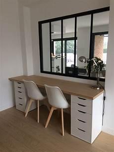 bureau et maison installation du plateau en bois et montage du nouveau