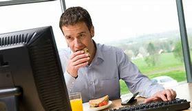 может ли работодатель заставить работника работать в отпускное время