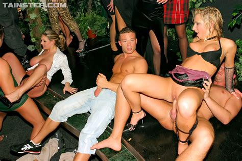 Drunk And Horny Girls