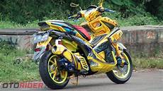 Modifikasi Aerox 155cc by Modifikasi Yamaha Aerox 155 Vva 2017 Praktis Jadi Bumble Bee