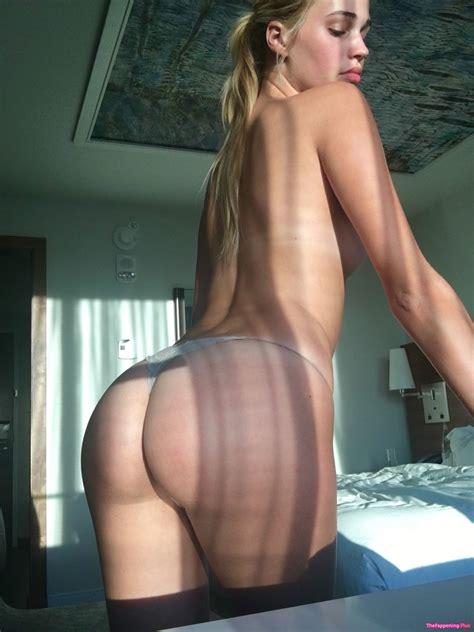 Stpeach Naked
