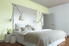 welche farbe passt ins schlafzimmer welche passt in welches zimmer alpina fabe einrichten