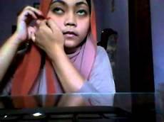 Tutorial Cara Memakai Jilbab Pashmina Dua Warna Vol 1