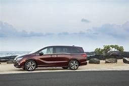 2018 Honda Odyssey Vs Chrysler Pacifica Compare Cars