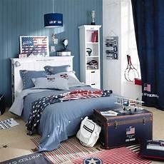 rideaux chambre ado chambre ado couleurs murs effet bois bleus blancs rideaux