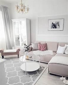 wohnzimmer rosa schlichte eleganz in diesem wundersch 246 nen wohnzimmer in