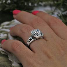 gorgeous engagement ring with 2 56 ct of total diamond weight video i do now i don t