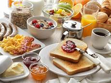 should i eat breakfast health experts whether it really is the most important meal of the