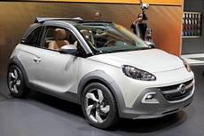 Opel Adam Rocks Concept Suv Look Und Faltdach Heise Autos