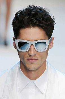 cool curly hairstyles for men the best mens hairstyles haircuts