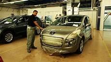 que faire d une vieille voiture ils transforment votre vieille voiture en or tout compte fait