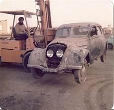 voiture ancienne voiture ancienne sortie de grange