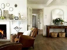wohnzimmer coutry style brauner ledersessel holzkamin wei 223