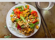 stir fried chicken with mango and peppers_image