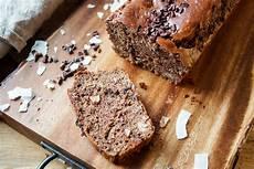 Glutenfreies Brot Mit Selbstbemachter Mandelbutter