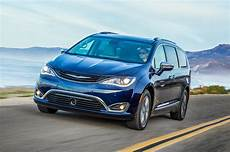 chrysler pacifica hybrid 2017 chrysler pacifica hybrid drive review