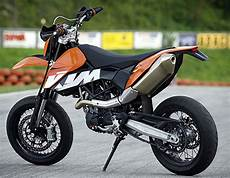 2009 ktm 690 smc motorcycle review top speed