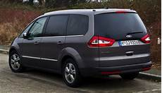 Ford Galaxy 1 Symbole Du Monospace Familial 7 Places