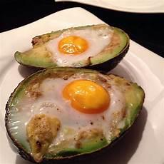 eier im backofen avocado mit ei aus dem backofen ars vivendi chefkoch de