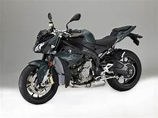 bmw 1000 r 2017 bmw s 1000 r look 14 fast facts