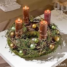 advent im naturlook dekorieren mit zapfen und zweigen