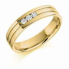mens 18ct yellow gold 0 14ct three stone diamond wedding ring