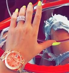 khloe kardashian flaunting engagement ring on snapchat