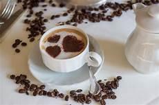 Gambar Coffee Momtraveler Cangkir Kopi Gambar Di