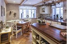 rustikale moderne küchen rustikale k 252 che im landhausstil landhaus k 252 chen in 2019