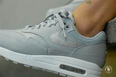 nike s air max 1 se glitter wolf grey platinum