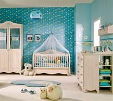 Desain Perpaduan Warna Lembut Kamar Bayi Rumah Minimalis