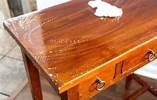 comment nettoyer et faire briller un vieux meuble en bois