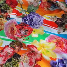 Stoff Mit Ausgefallenem Blumenmuster - stoffe ausgefallene modestoffe spitzen pailletten