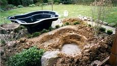 construire un bassin à poisson unjardinpointcom un petit bassin pour le jardin
