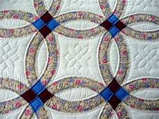traditional amish double wedding ring quilt by quiltsbyamishspirit amish quilt patterns amish