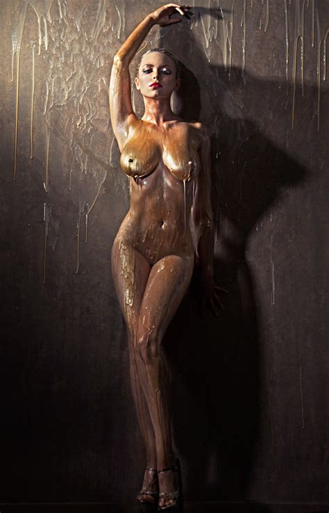 Nude Behind The Scenes
