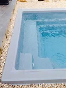 piscine coque polyester interieur ou exterieur de moins de
