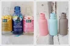 kreidefarbe auf glas upcycling vasen basteln aus kneipp flaschen vasen mit