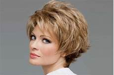 10 classy and simple short hairstyles for women over 50
